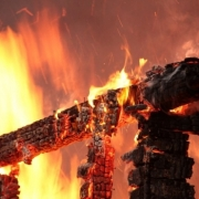 В Омской области на пожаре в частном доме погиб 2-летний ребенок