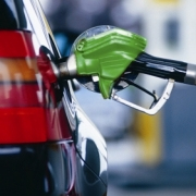 Омич распродал бензин с топливной карты на 70 тысяч рублей