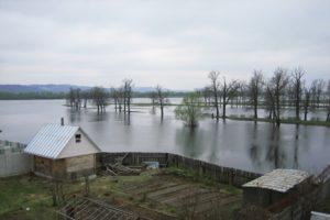 В Омской области началось расселение поселка Затон