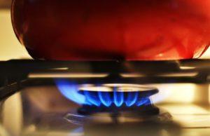 В Омске и 15 районах области ограничена подача газа из-за долгов