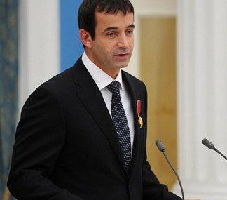 Певцов упрекнул КПРФ за профанацию идеи вернуть пенсионный возраст